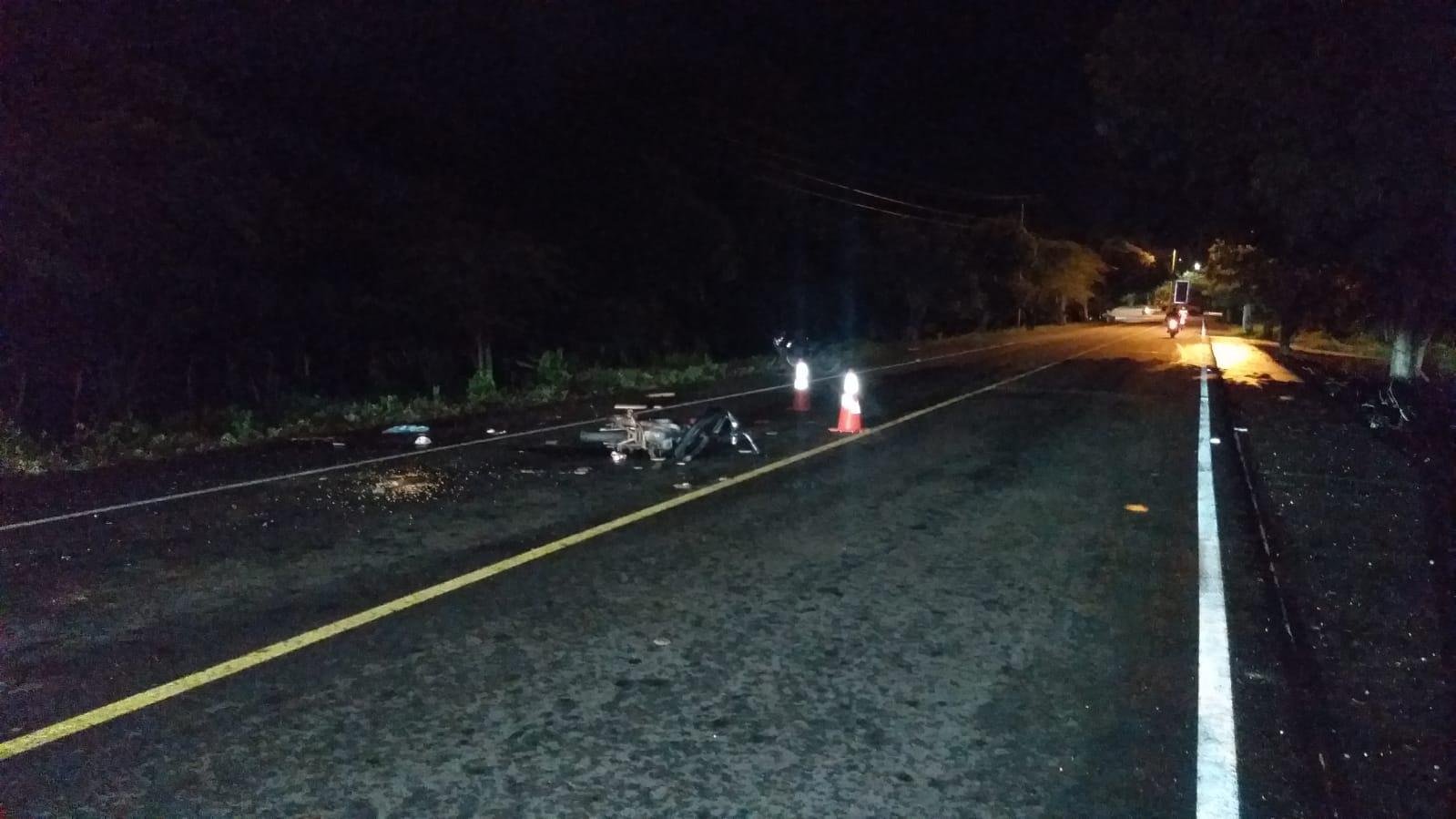 Un muerto y 5 heridos en triple choque de motos en Manzanillo del Mar